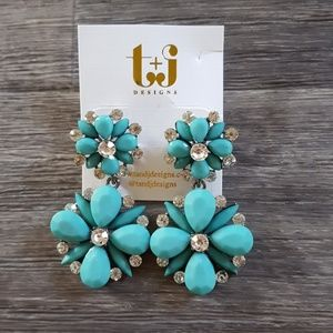 Blue statement earings flower style